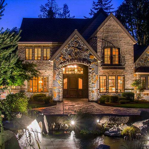 residential landscape lighting outdoors